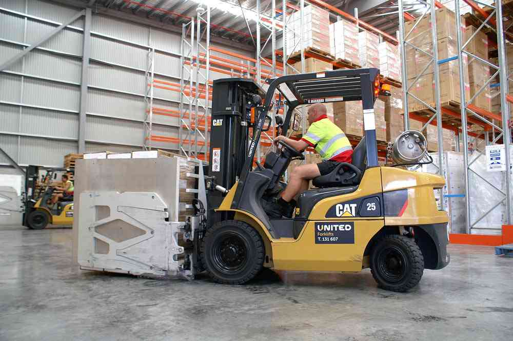 Cat GP25B 2.5T LPG forklifts operating at COPE's Brisbane facility