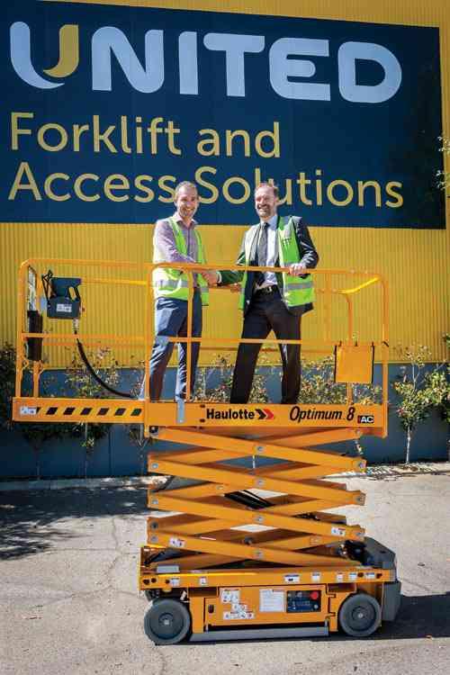 Optimum 8 AC scissor lift handover in Perth