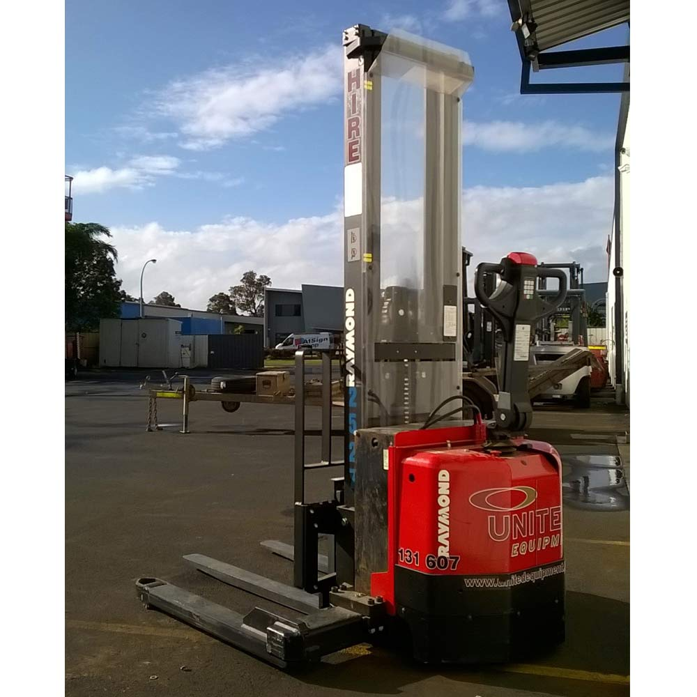 Raymond 1.2T used electric walkie stacker