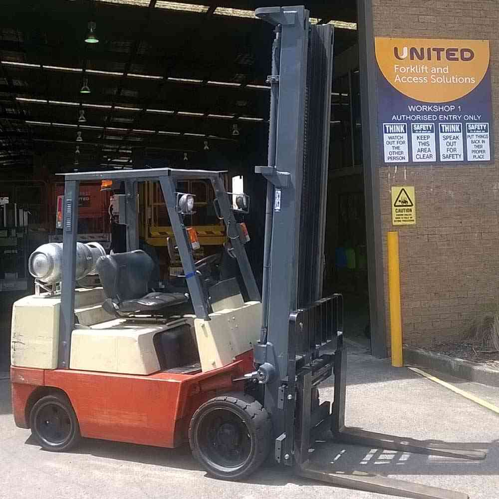 Nissan 3.5T Used LPG forklift in Sydney 9R1437