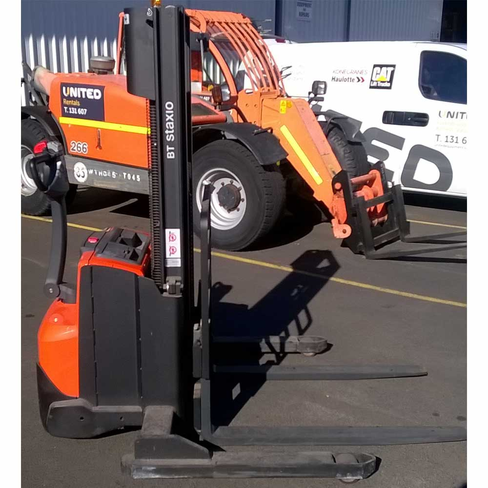 BT 1.2T Used Electric Walkie Stacker - Side view