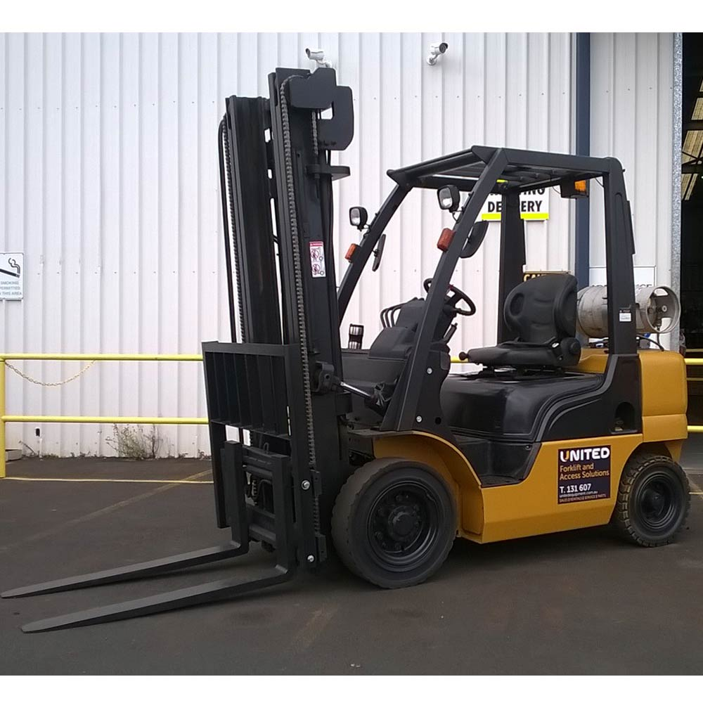 Nissan 2.5T Used LPG Forklift PL02A25U - Side view