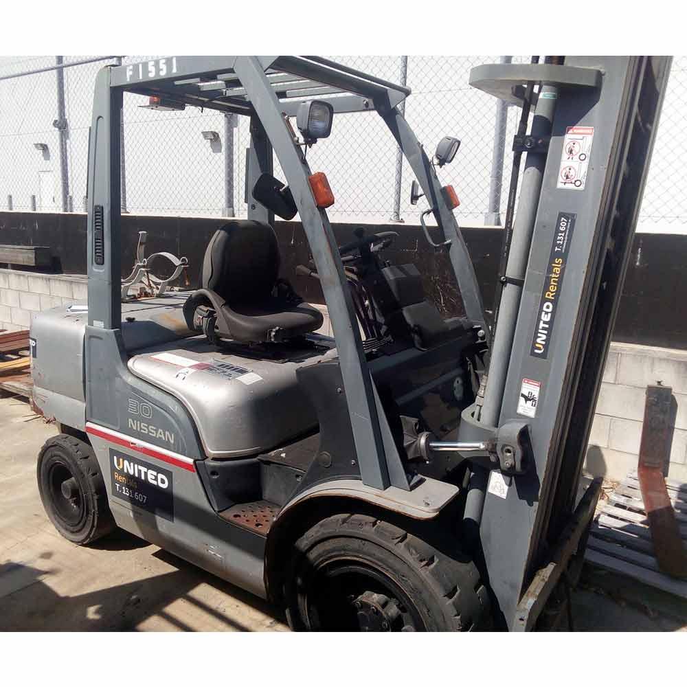 Nissan 3T Used Diesel & LPG Forklift UGL02A30JU - Side view