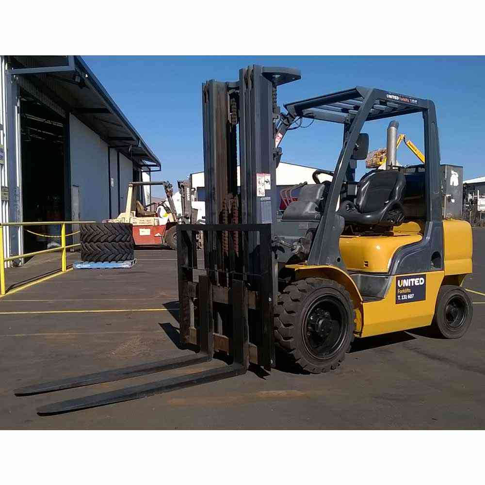 Nissan 3T Used Diesel Zone 1 Flameproof Forklift YGL02A30U - Profile view