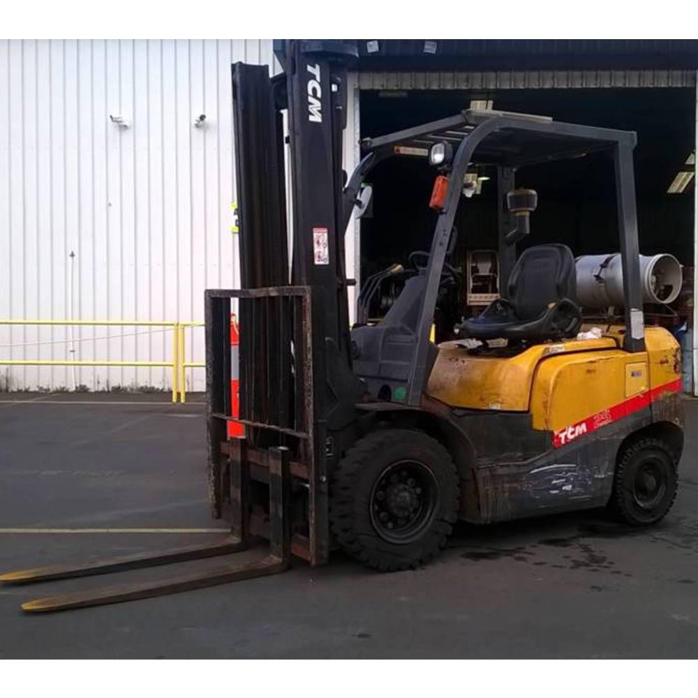 TCM 2.5T Used LPG Forklift FG25T3 - Side view